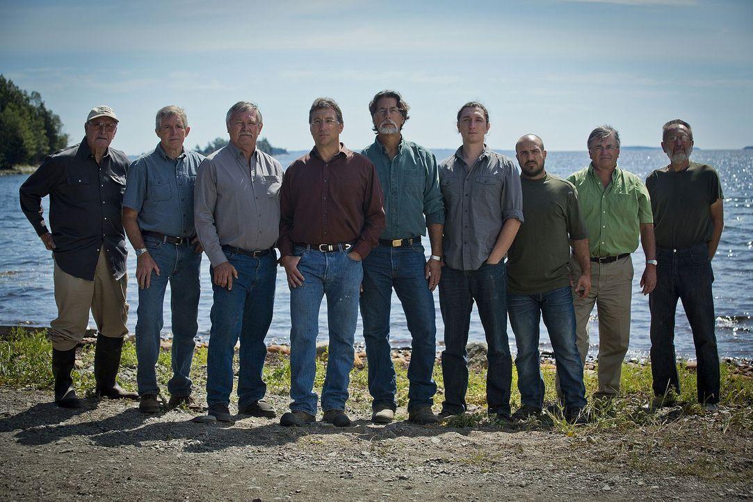 Rick Lagina (M.) und sein Team geben alles, um das Geheimnis der legendären ... - Bildquelle: 2014 A&E Television Networks, LLC. All Rights Reserved/ PROMETHEUS ENTERTAINMENT