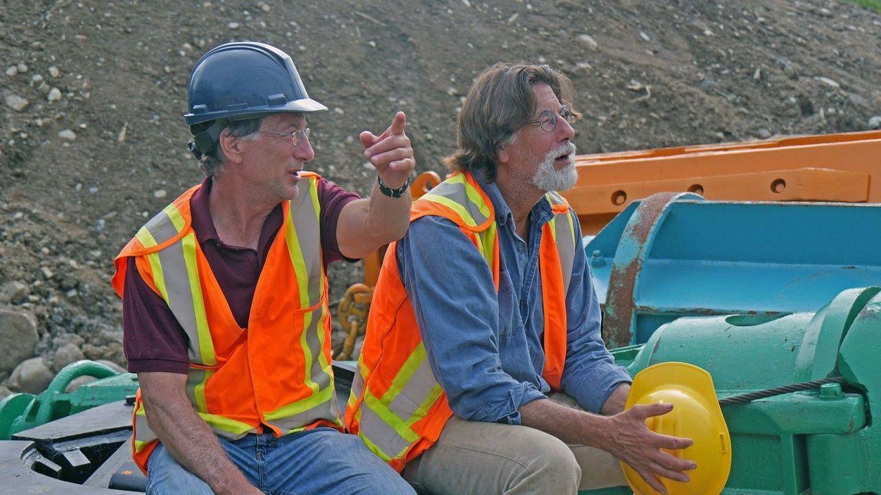 Die Suche nach Antworten geht weiter:  Die Schatzsucher Rick (r.) und Marty ... - Bildquelle: 2016 A&E Television Networks, LLC. All Rights Reserved
