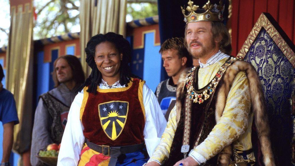Ein Ritter in Camelot - Bildquelle: Foo