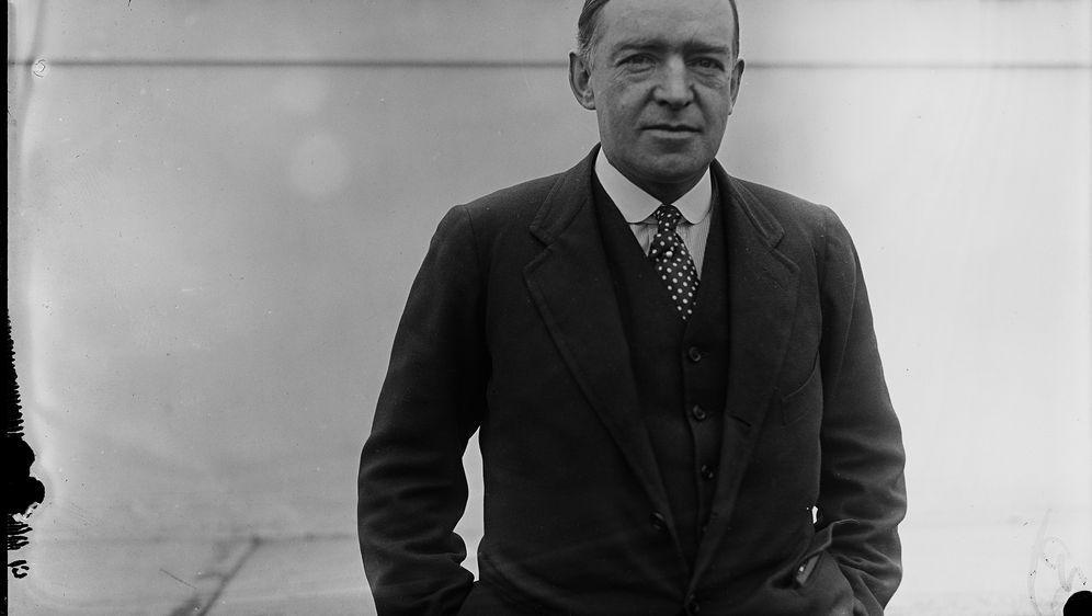 Sir Ernest Shackleton, britischer Abenteurer und Schriftsteller, bei seiner ... - Bildquelle: picture alliance / AP Images | Uncredited