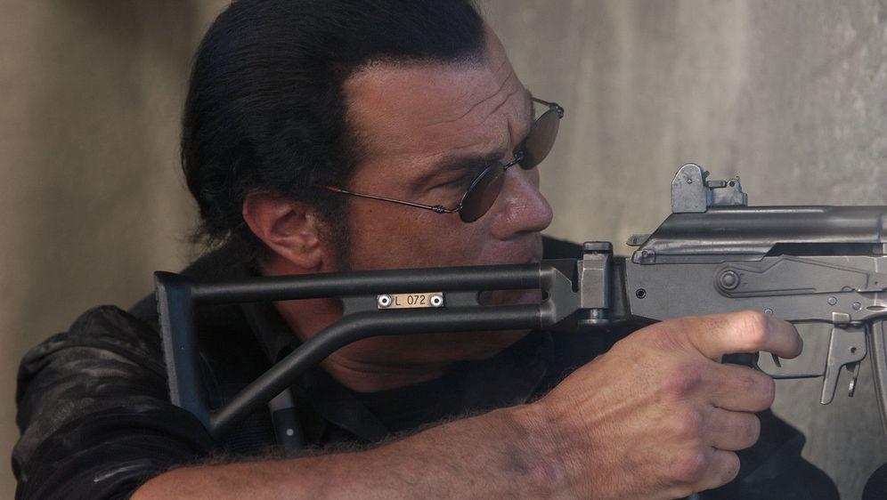 Steven Seagal - Mercenary - Bildquelle: Foo