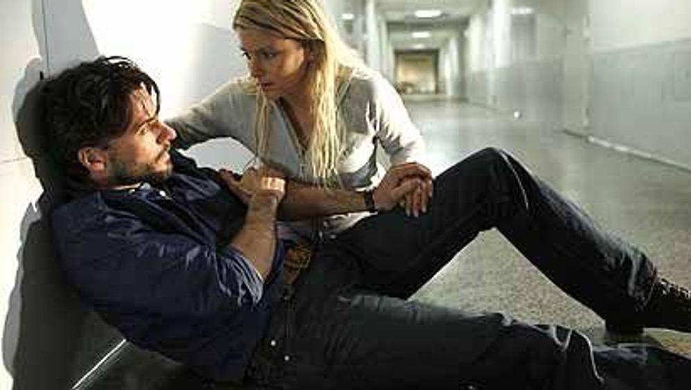 Lizzy und der Kommissar (Callgirl Undercover) - Bildquelle: Foo