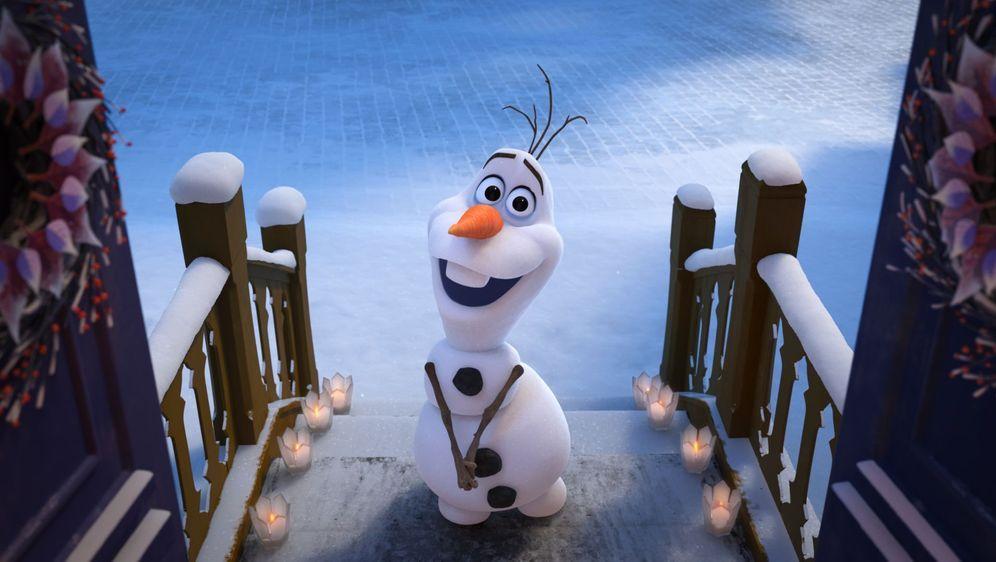 Die Eiskönigin - Olaf taut auf - Bildquelle: Foo