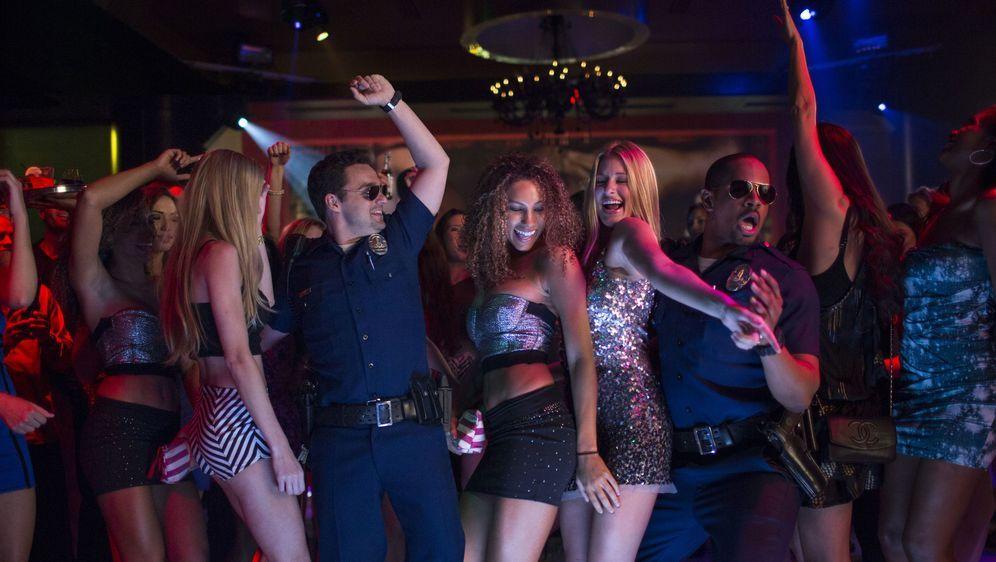 Let's Be Cops - Die Party Bullen - Bildquelle: Foo