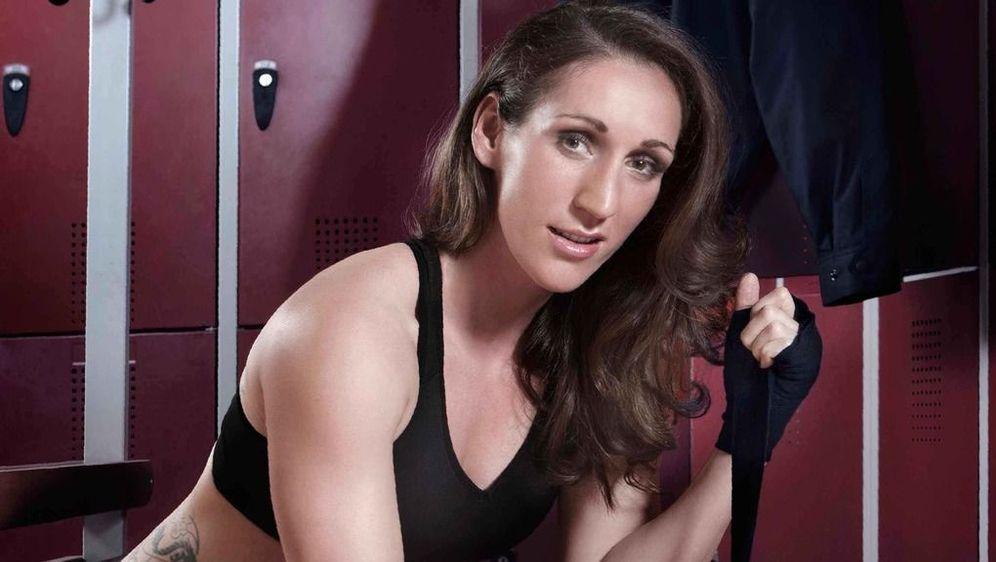 ran Boxen: Julia Irmen vs. Ielo Page - Bildquelle: Foo