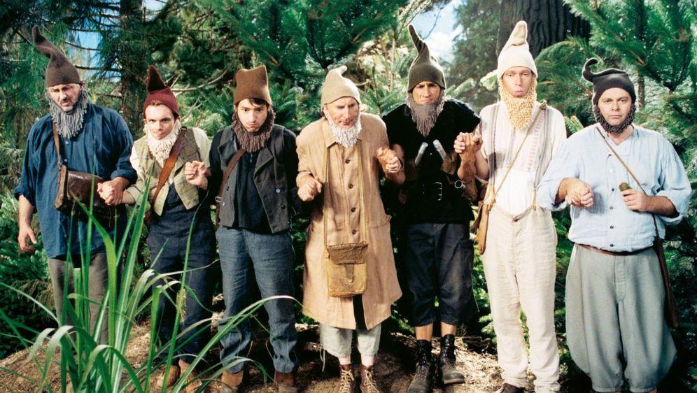 7 Zwerge - Männer allein im Wald - Bildquelle: Foo