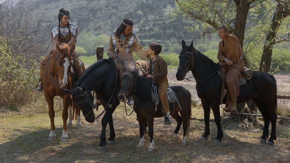 Winnetou und das Halbblut Apanatschi - Bildquelle: Foo