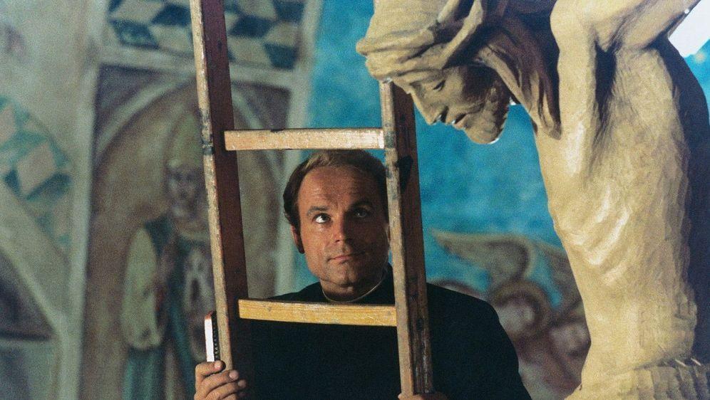 Keiner haut wie Don Camillo - Bildquelle: Foo