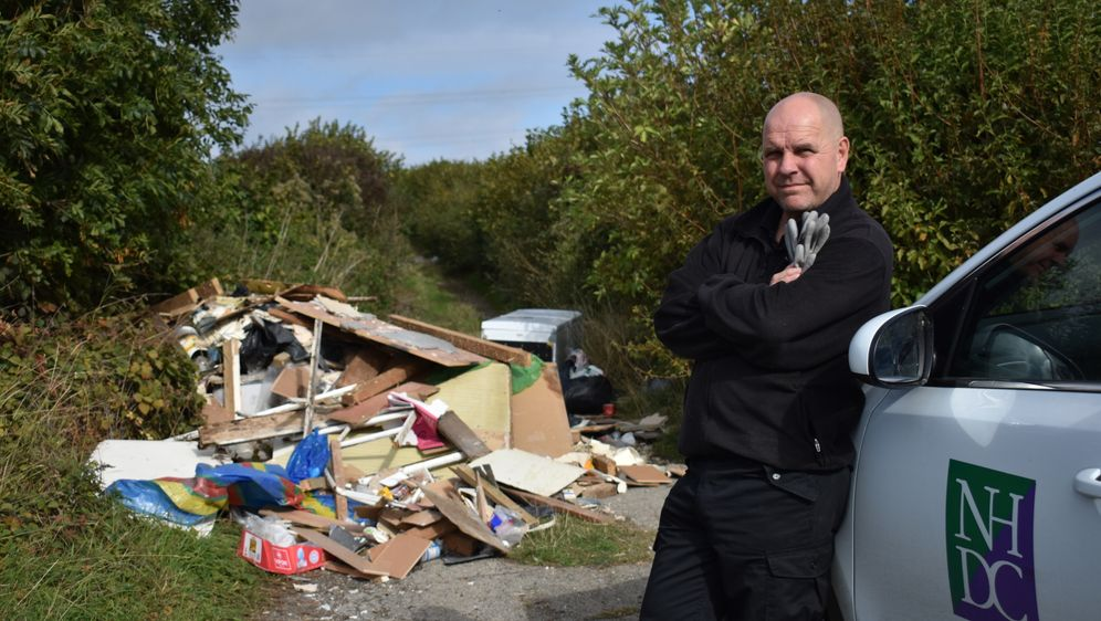 Müll-Chaos extrem - Bildquelle: Foo