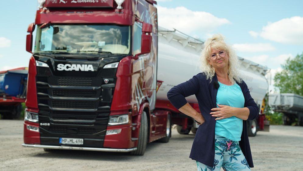 Trucker Babes - 400 PS in Frauenhand - Bildquelle: Foo