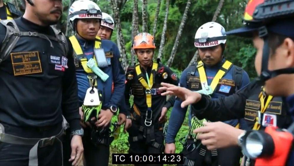 Außer Kontrolle: Eingeschlossen in der Tham Luang Höhle - Bildquelle: Foo